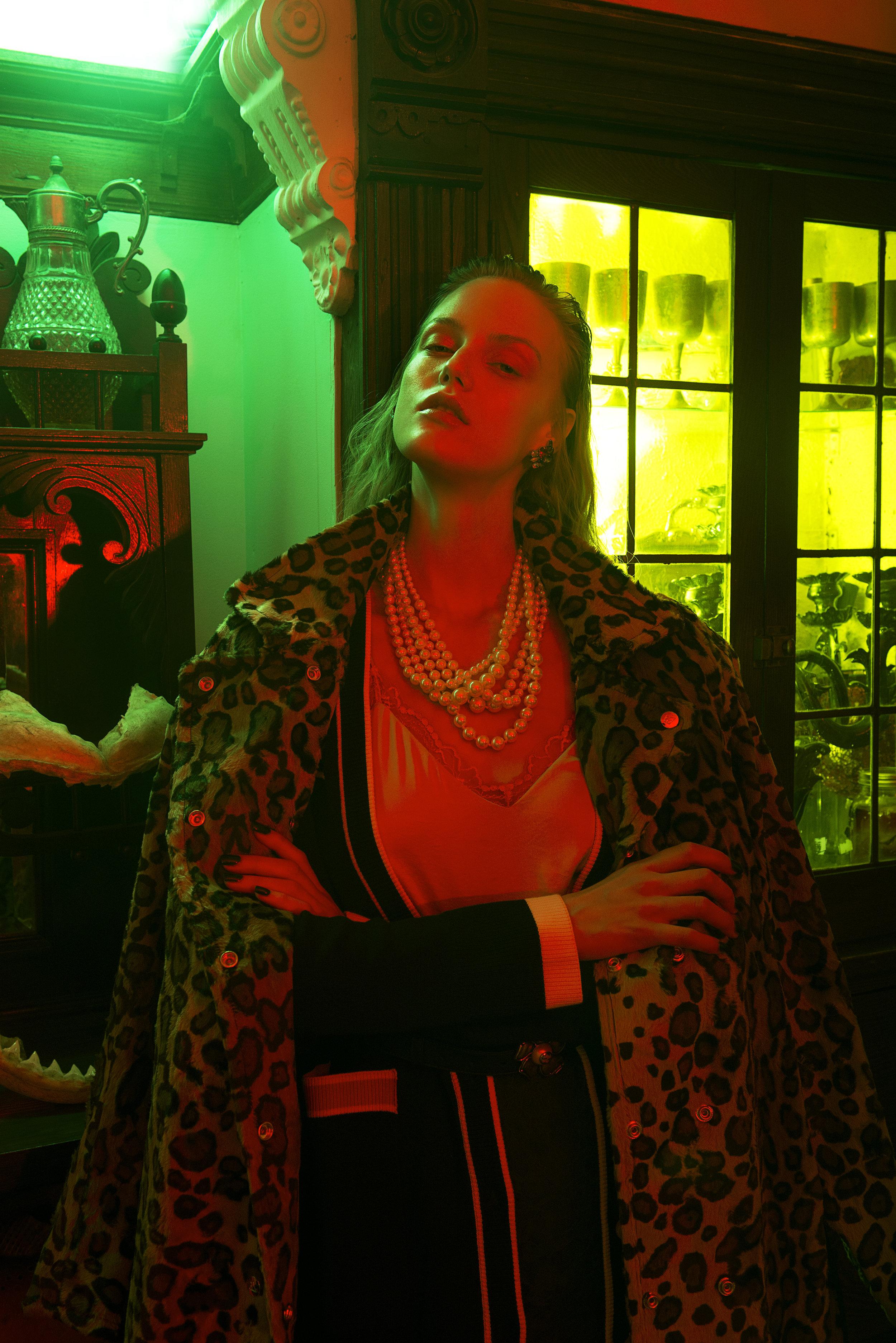 Camisole & Skirt:LITTLE MOON / Belt: GUCCI / Necklace: J CREW / Coat: THERMAKOTA / Cardigan:ZARA
