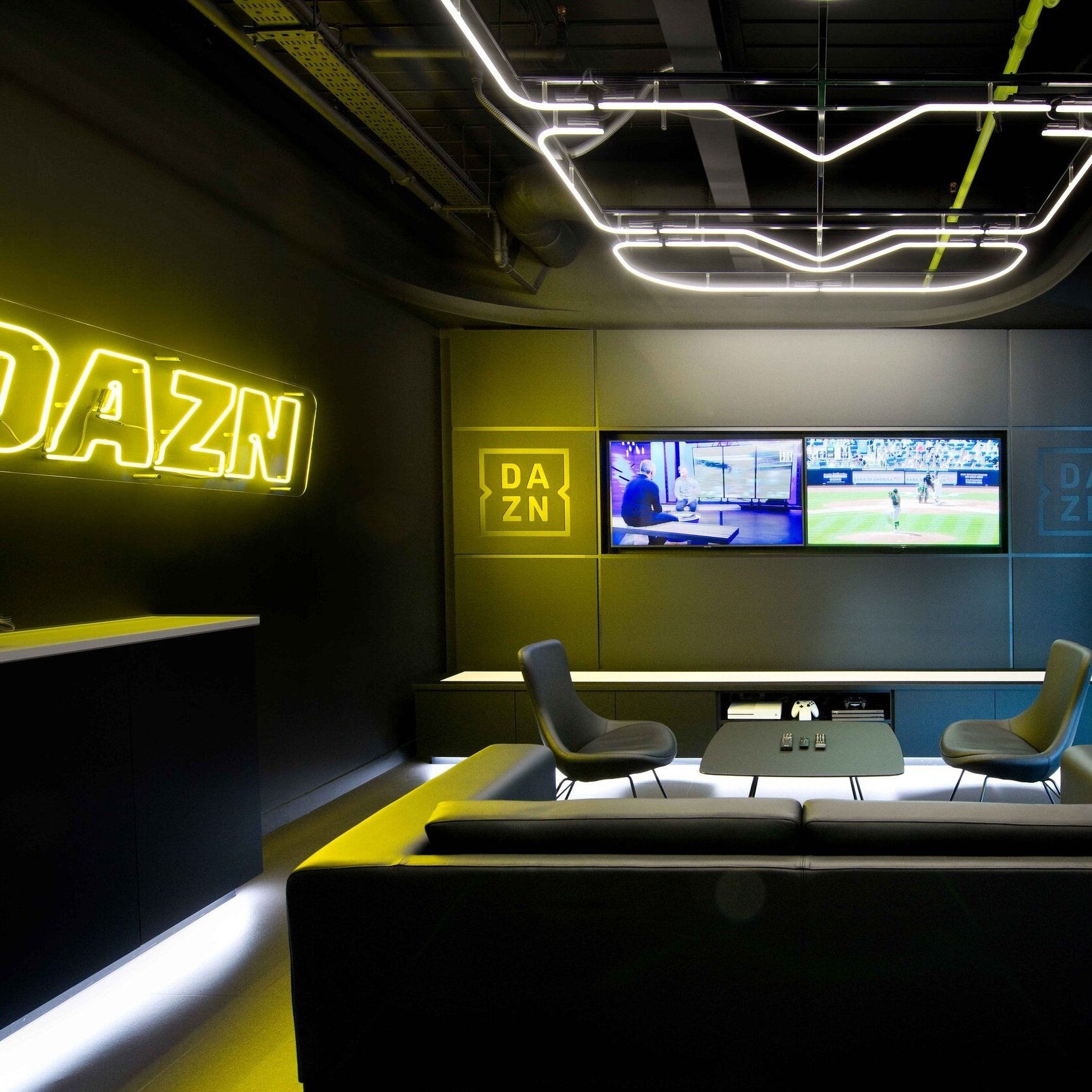 DAZN-126.jpg