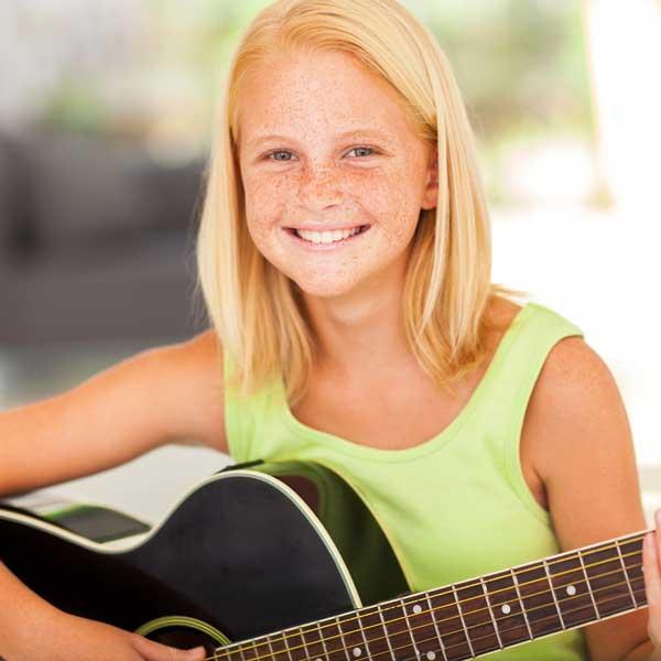 guitar-girl1.jpg