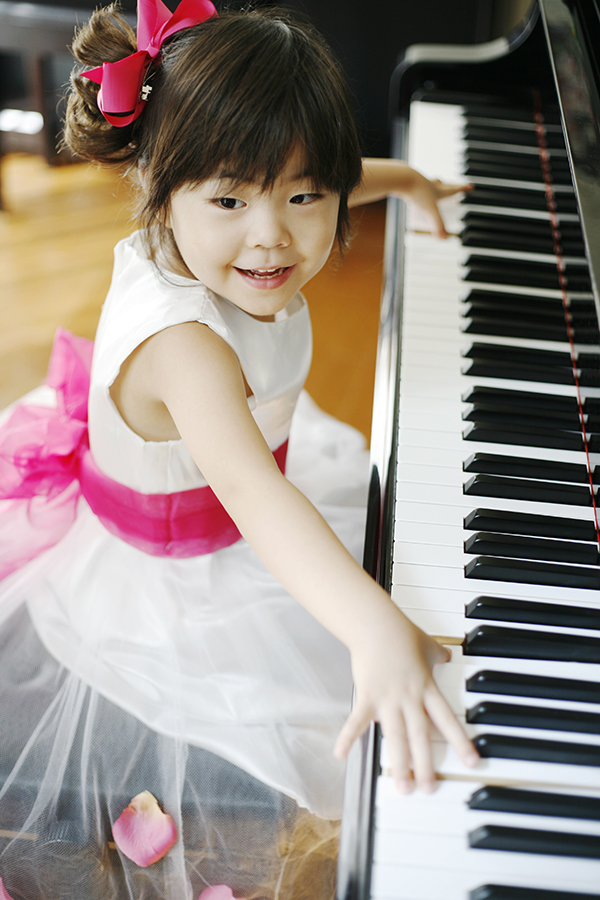 Kid-Practicing-Piano-at-Forte-School-of-Music