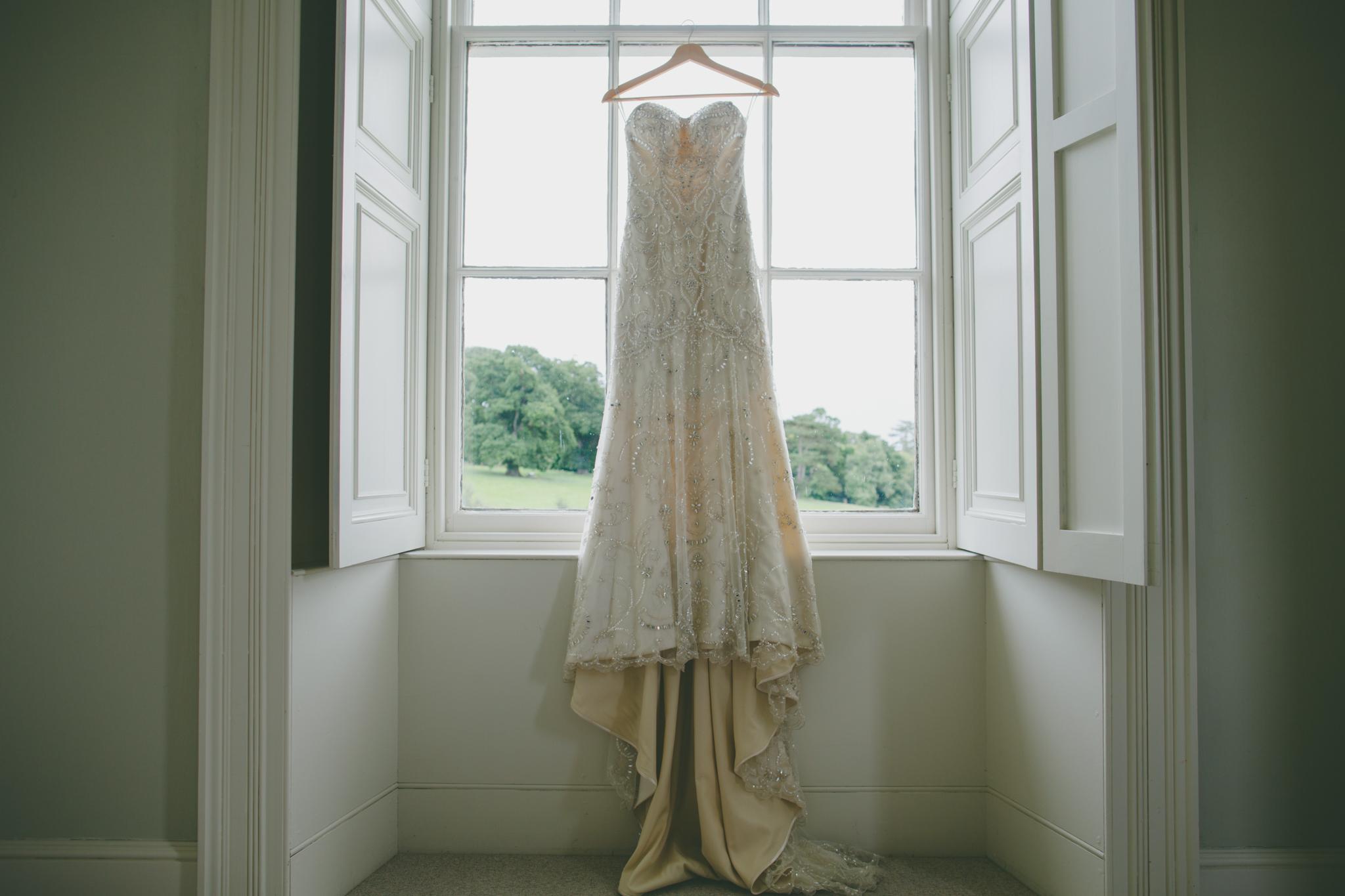 Amy Sampson   Creative Documentary Wedding Photographer   Ishani and Iain's Wedding at Pyne's House, Exeter, Devon