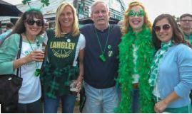 IOP Exchangites Ellen Thomas, Eike Gundersen, Michael Thomas, Christina Summer, and Melody Yale celebrate St. Paddy's at Dunleavy's