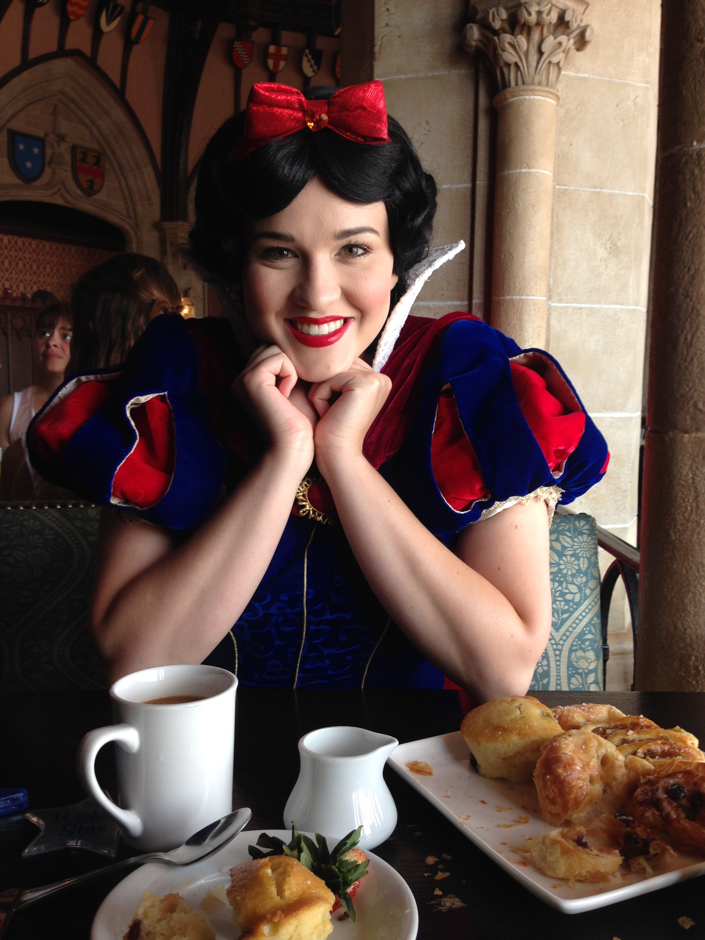 Coffee with Snow White - NO BIG DEAL OR ANYTHING I DIDN'T FREAK OUT I SWEAR