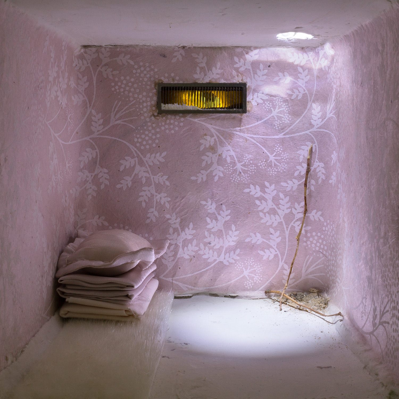 Installations - Diane Mazloum