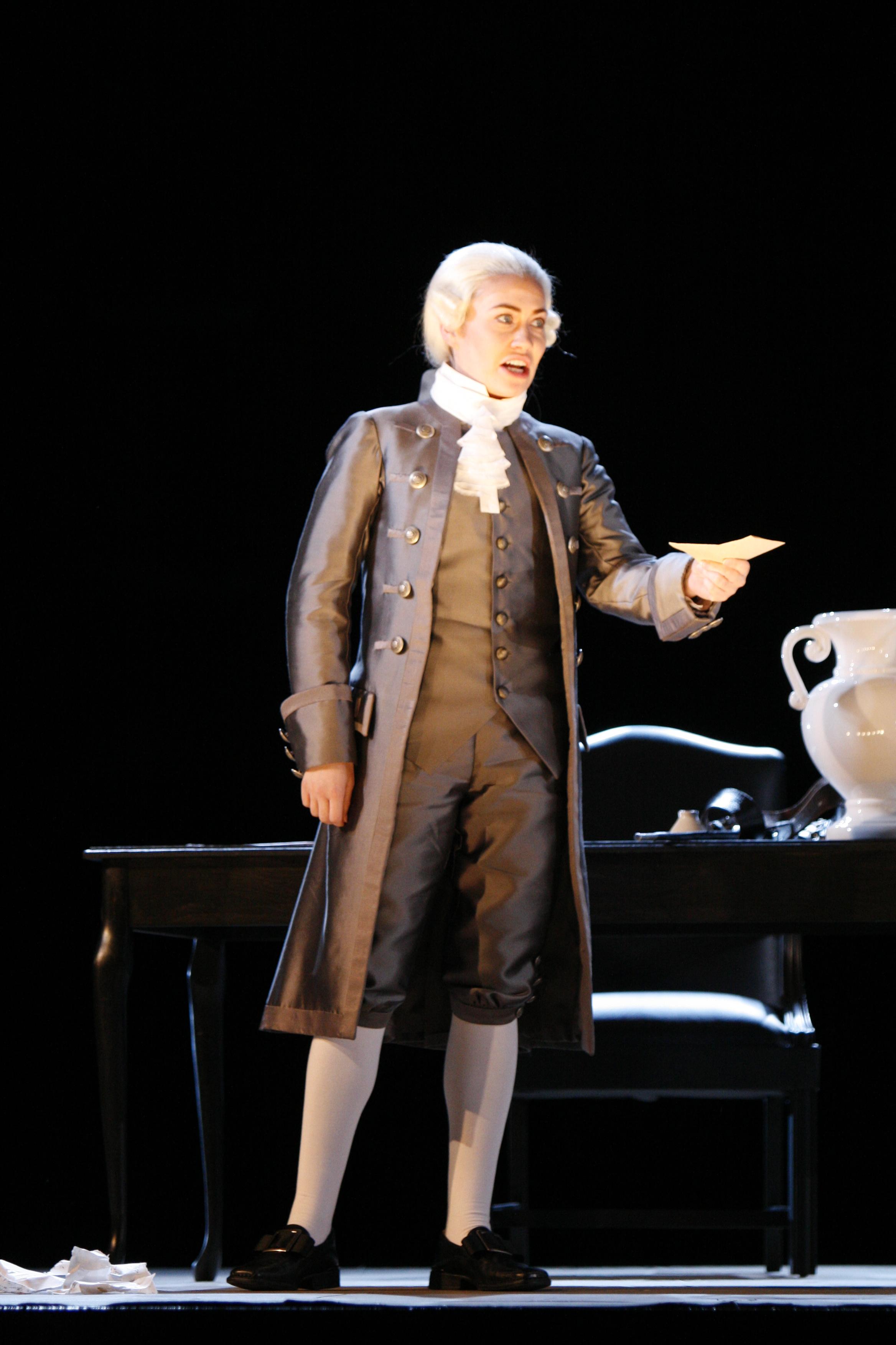 Oscar in UN BALLO IN MASCHERA, 2007 Boston Lyric Opera    © Jeffrey Dunn