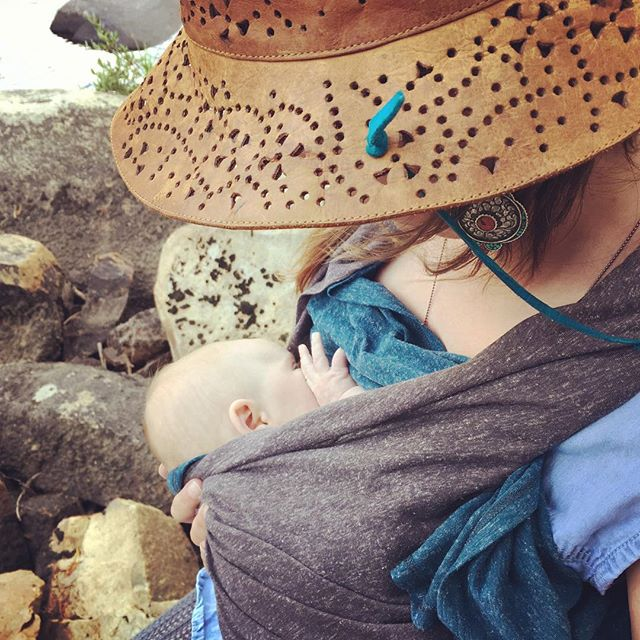 The Lucu Nest in action- it's the nursing cover: reinvented! Here's Lucu co-founder Sara nursing baby C. on a big camping trip. Unlike other breastfeeding covers, the Nest allows mama to maintain eye contact (💛promotes bonding💛), check the baby's airway (promotes safety), add a layer of warmth around the baby, and get coverage only where she wants it. No tents required!🏕 Heads up! Low stock alert for last year's most popular color combo: charcoal/deep teal! If you want one, you better get it quick. Use code januaryship at our website for 💌free shipping!💌 💌 💌 💌  #breastfeeding #normalizenursing #normalizebreastfeeding #breastfeedingmama #pumpingmama #nursinginpublic #babysgottaeat #thinkoutsidethecover