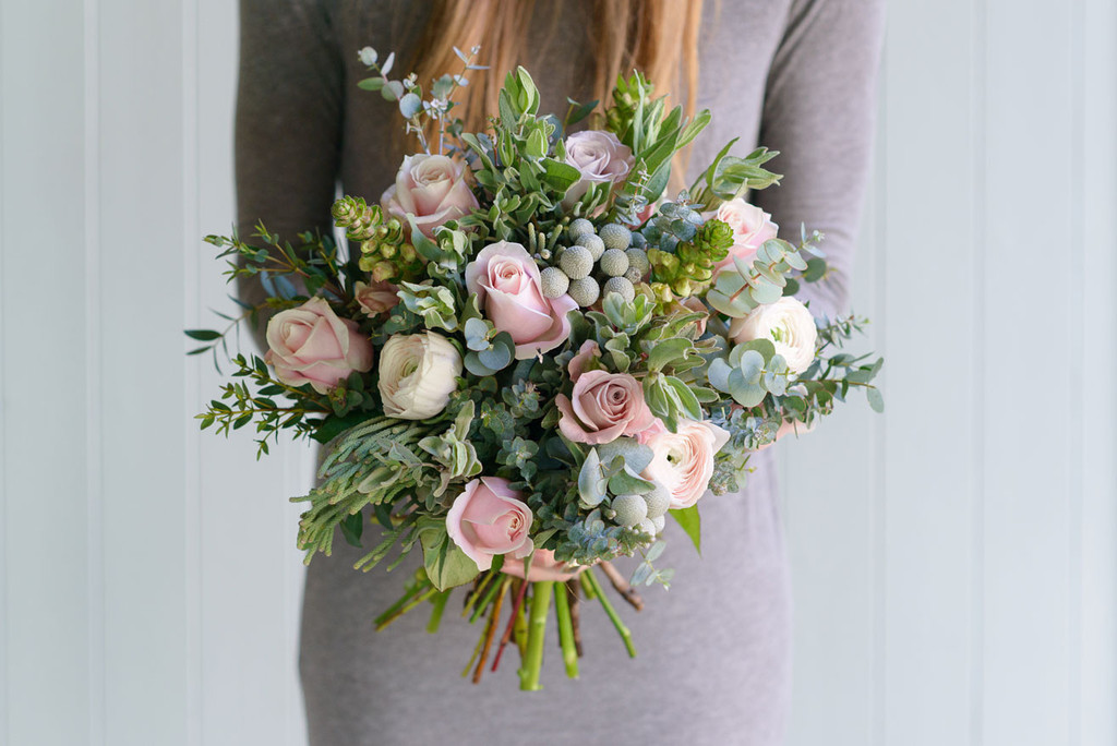 FLOWERS BY PASSION, BATH - MAMMA MIA £60 (standard bouquet)