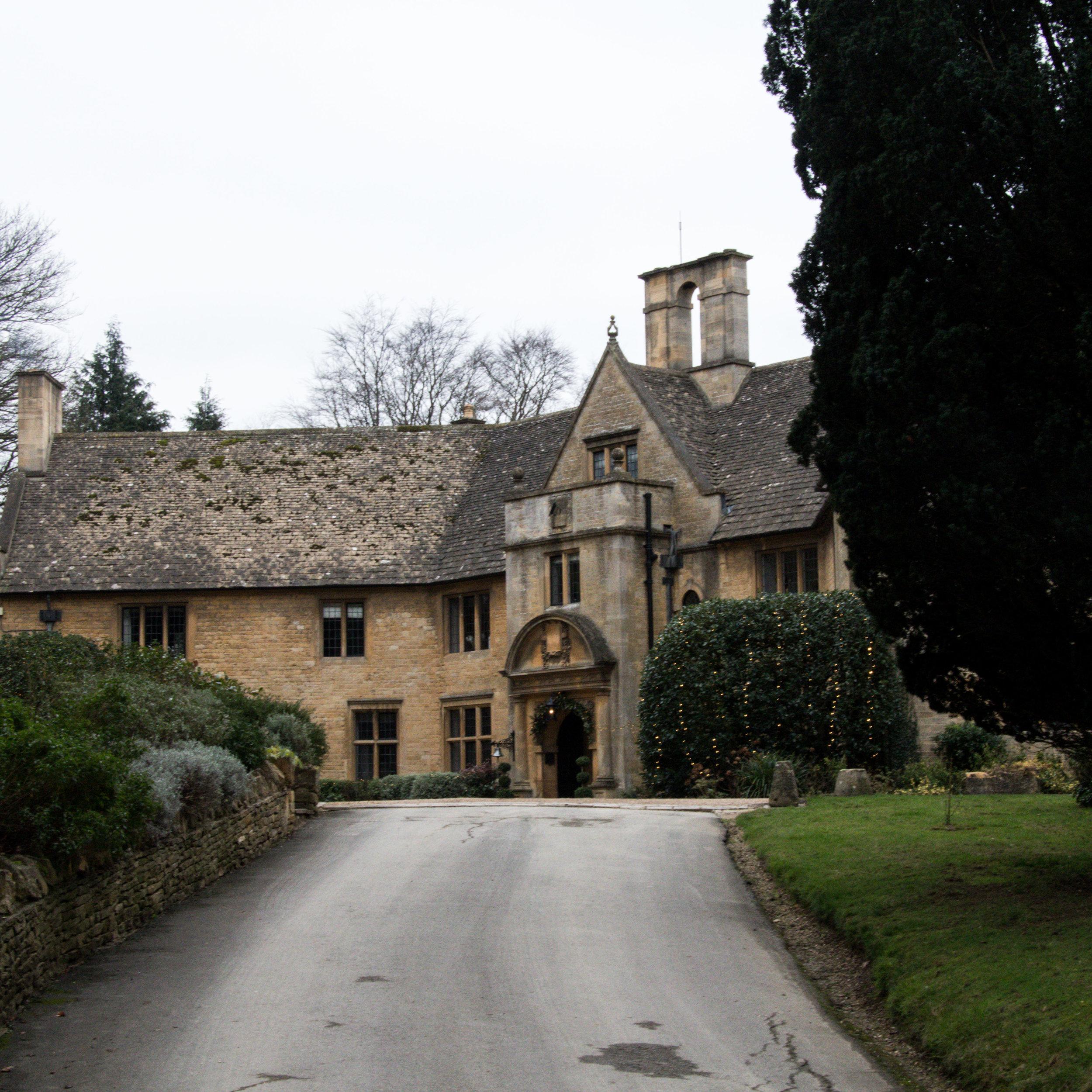 Foxhill Manor - Broadway