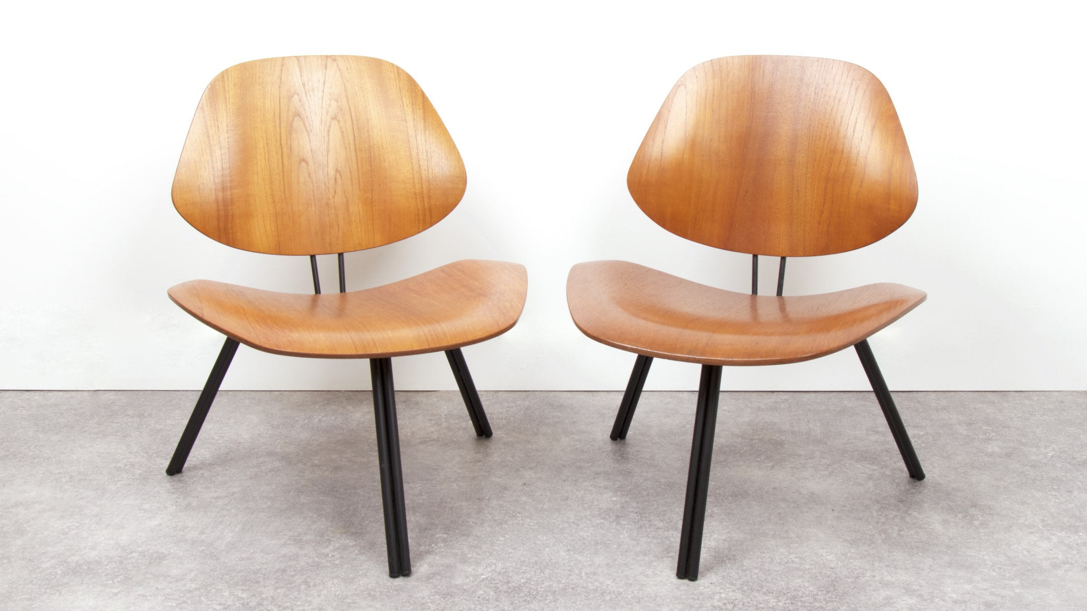 OSVALDO BORSANI - P31 LOUNGE CHAIRS - 1963