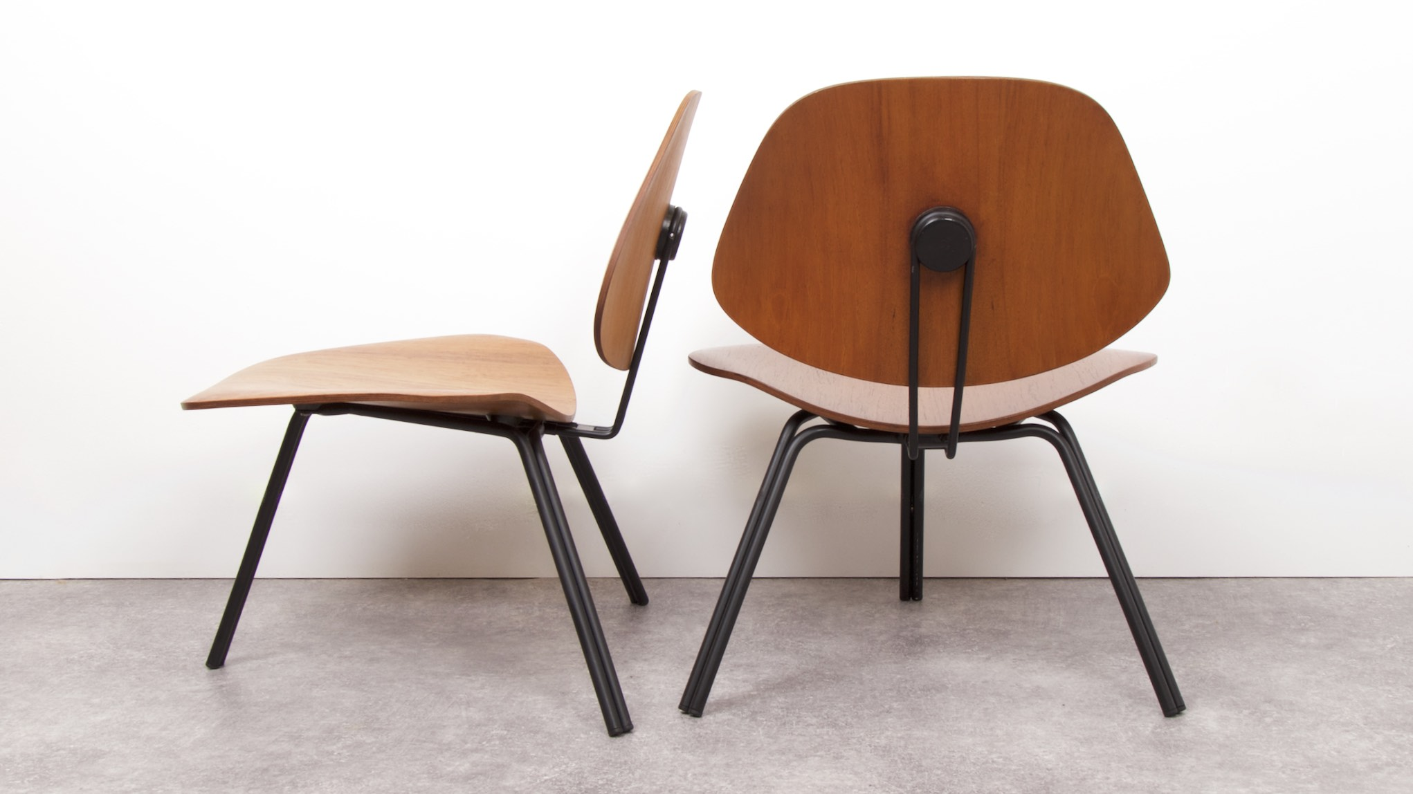 OSVALDO BORSANI - P31 LOUNGE CHAIRS 5