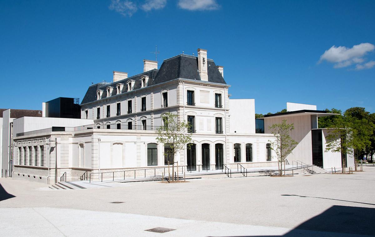 Le_Signe_-_centre_national_du_graphisme._Chaumont.jpg