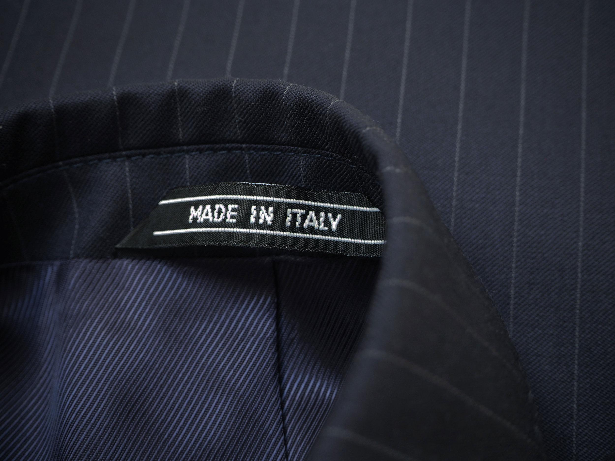 MADE-IN-ITALY---nakke-mørkeblå-jakke-.jpg