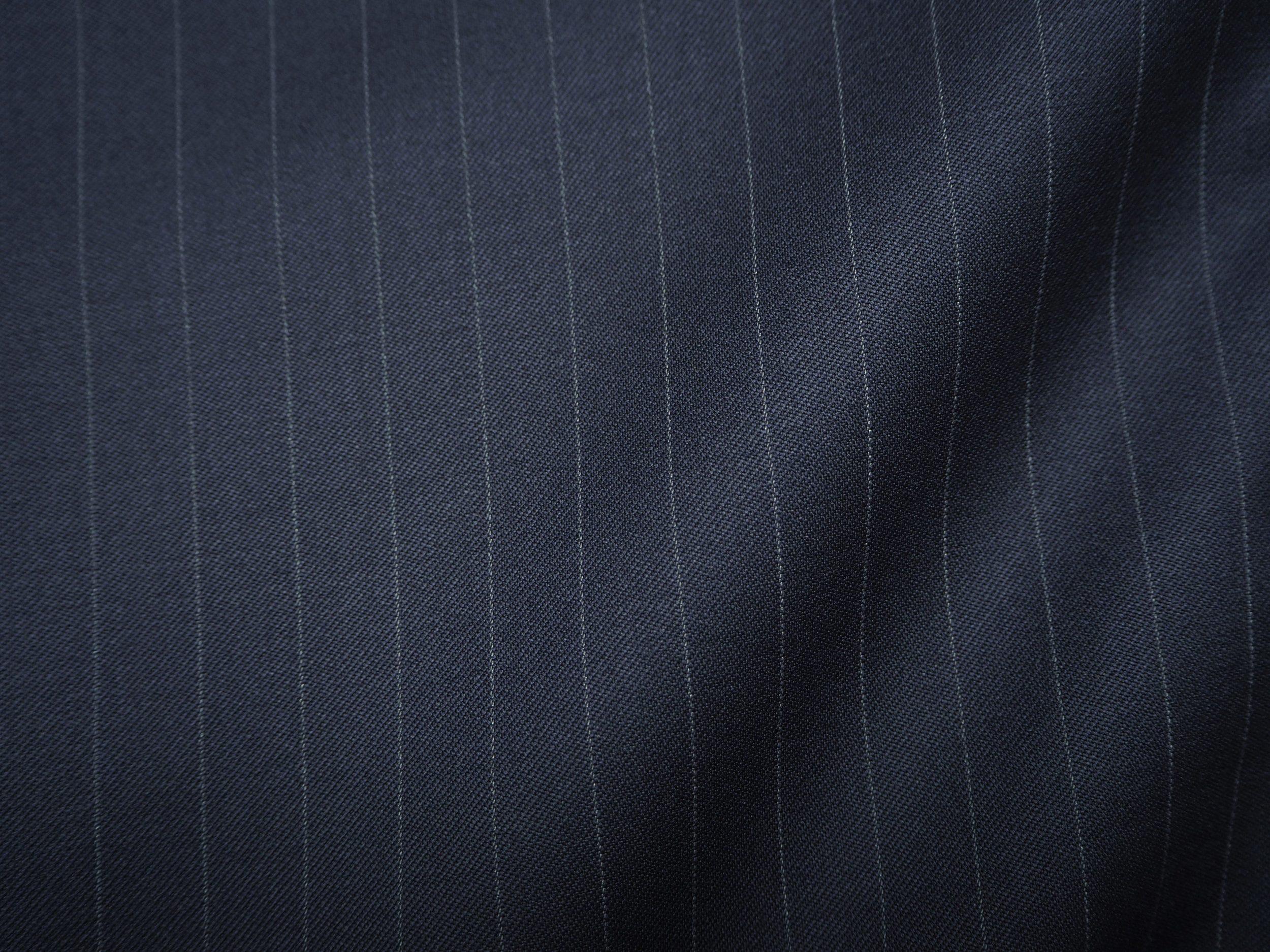 Stof---Mørkeblå-stribet.jpg