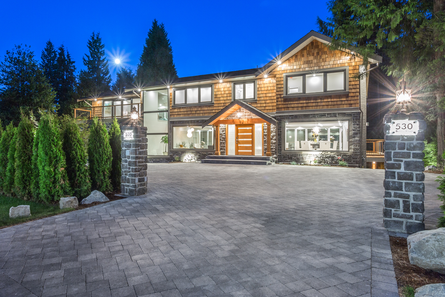 530-Burhill-Rd-West-Vancouver-360hometours-01s.jpg