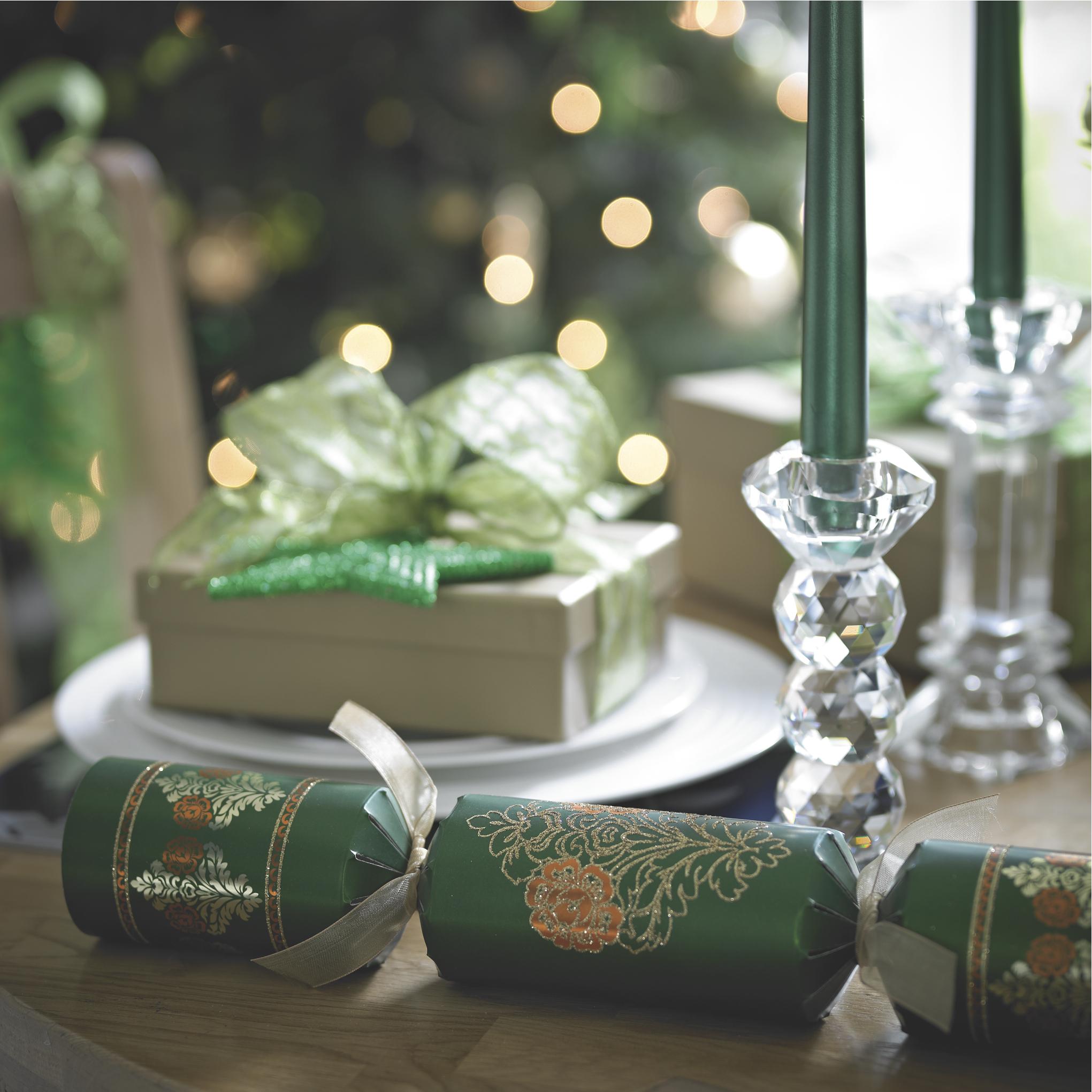Emerald detail lifestyle.jpg