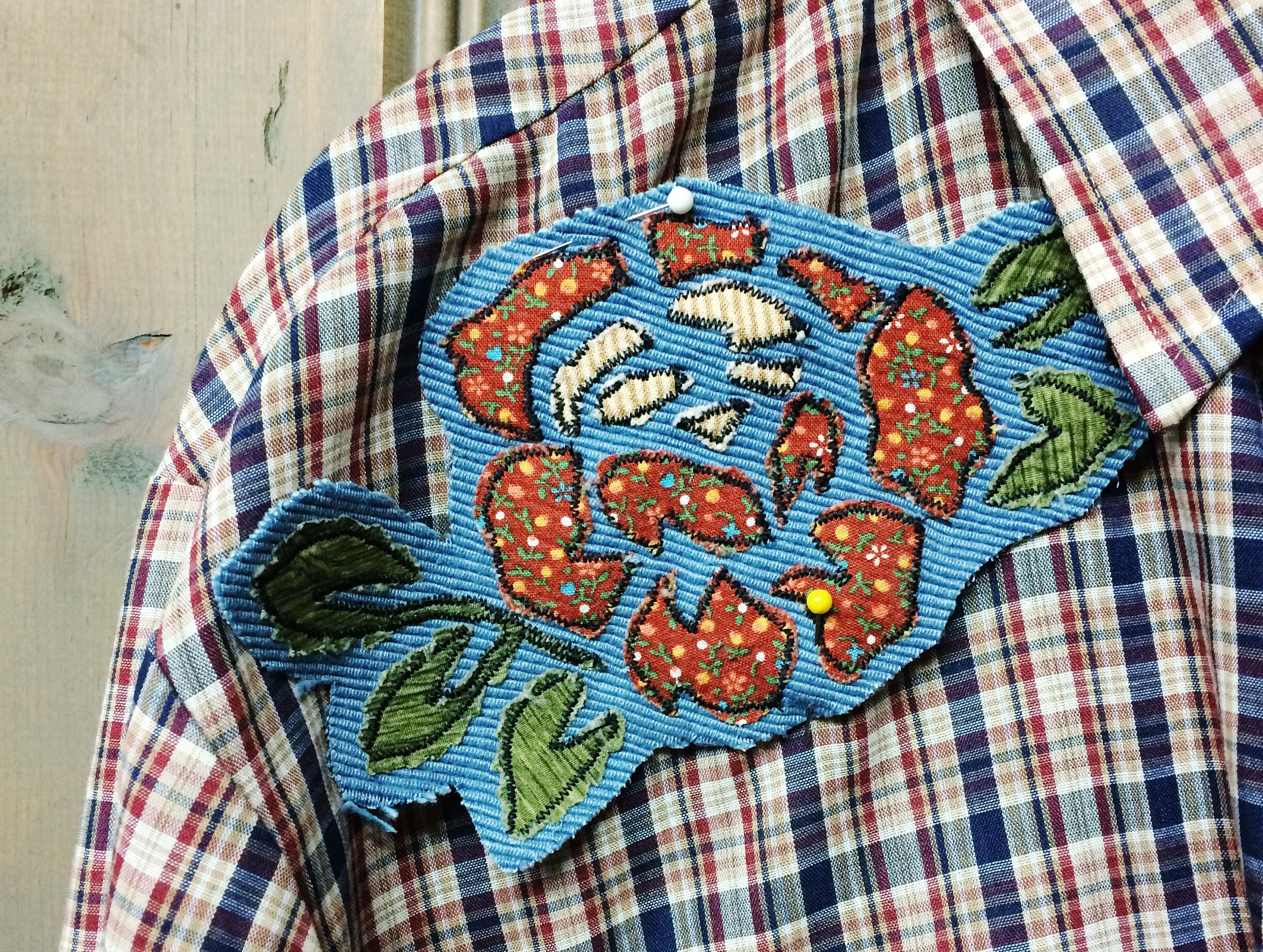 DIY Patch Making:Wednesday, December 13th.6-7:30pm - Come spend the evening making your own custom, vintage fabric, patches to adorn your own garments or to give away as a unique Christmas gift.