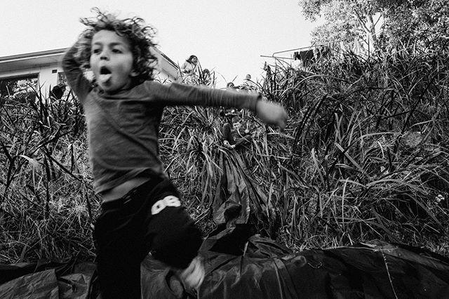 Kids being kids . . . .  #perthfamilyphotographer #documentaryfamilyphotographer #familyphotos #documentingfamilyperth #familyphotographyperth #childhoodunplugged #letthekids #familyphotographerperth #perthlifestylephotographer #candidchildhood #perthphotographer #perthphotography