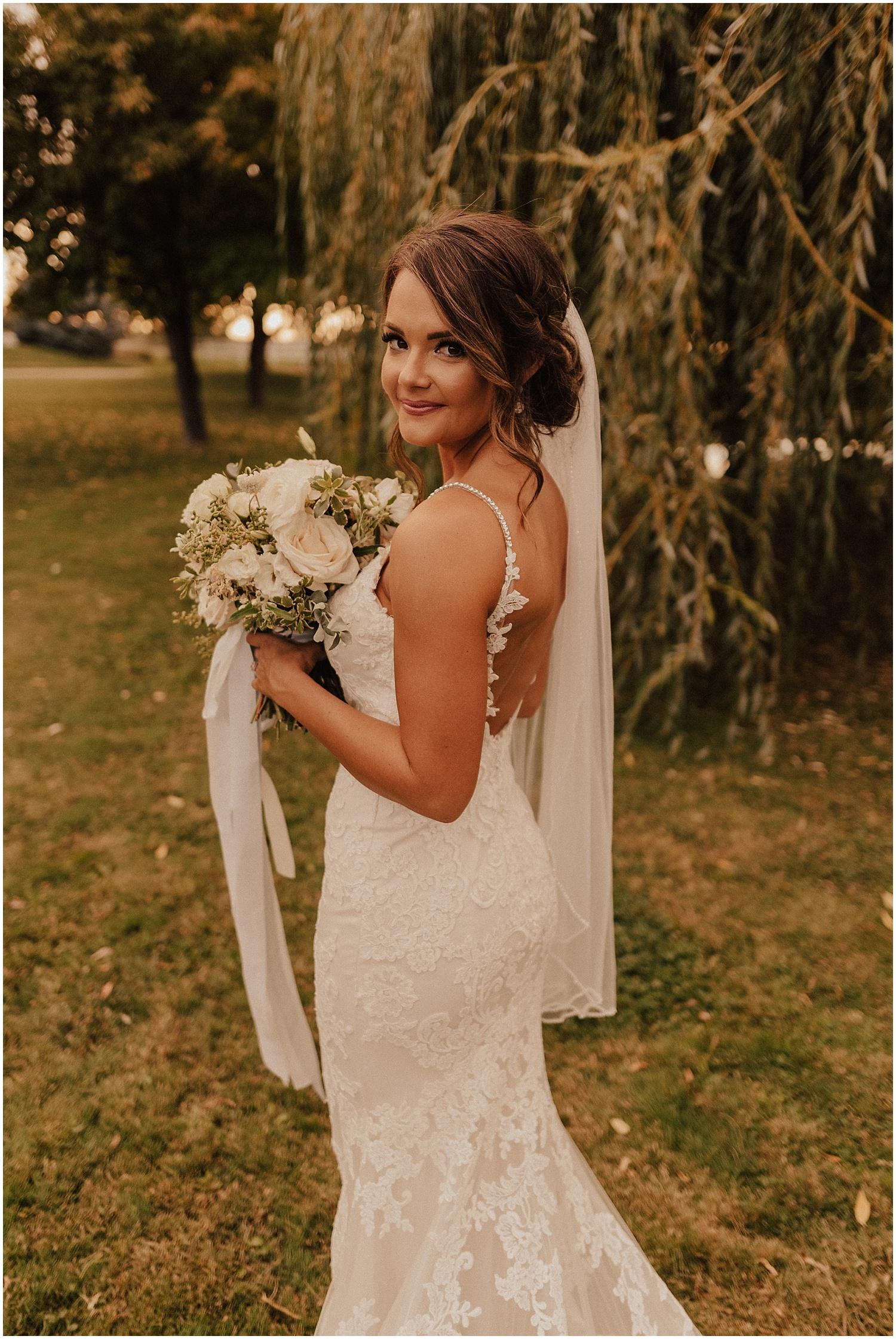 whimsical-summer-wedding-boise-idaho-las-vegas-bride160.jpg