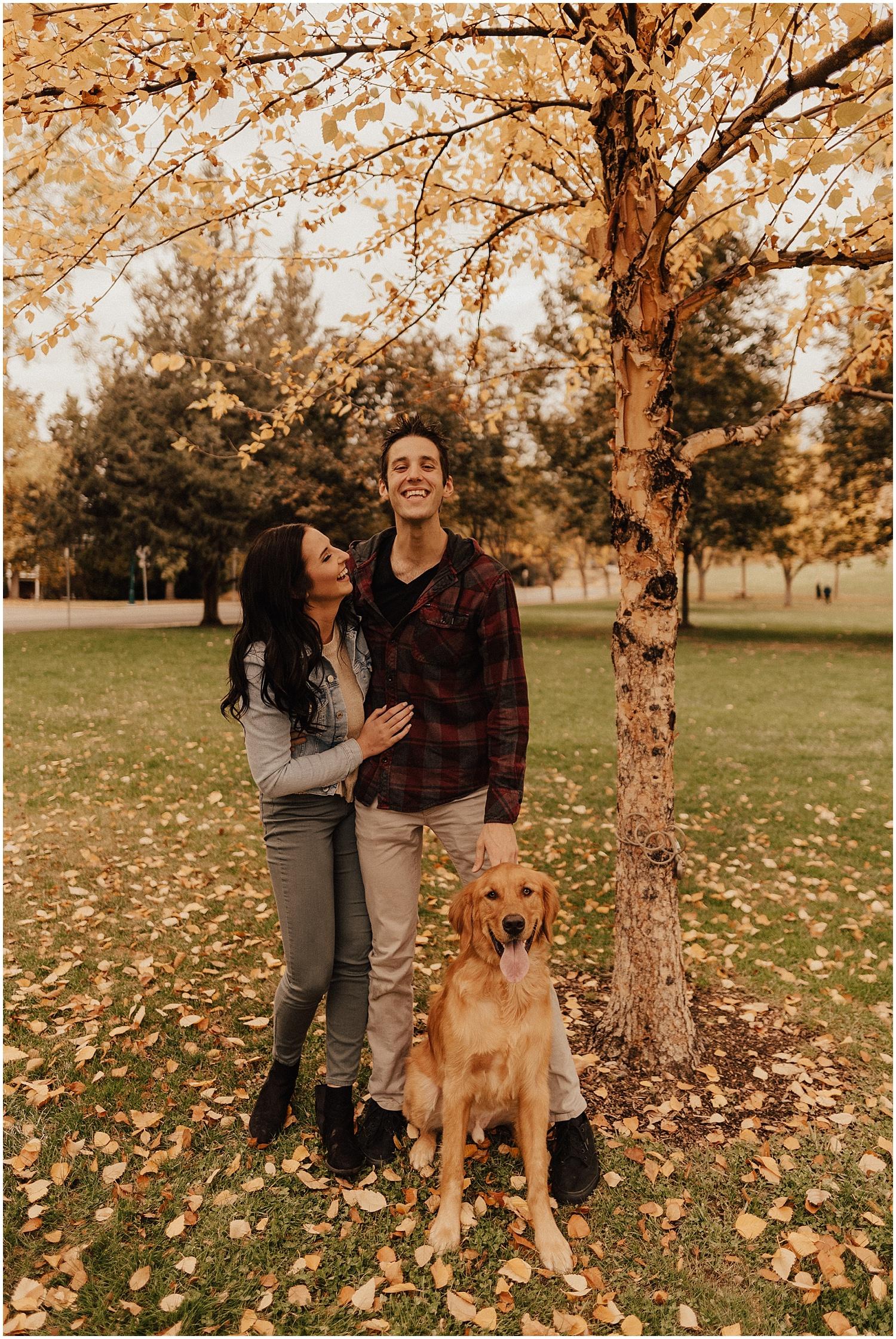 idaho-fall-winter-engagement-golden-retreiver7.jpg