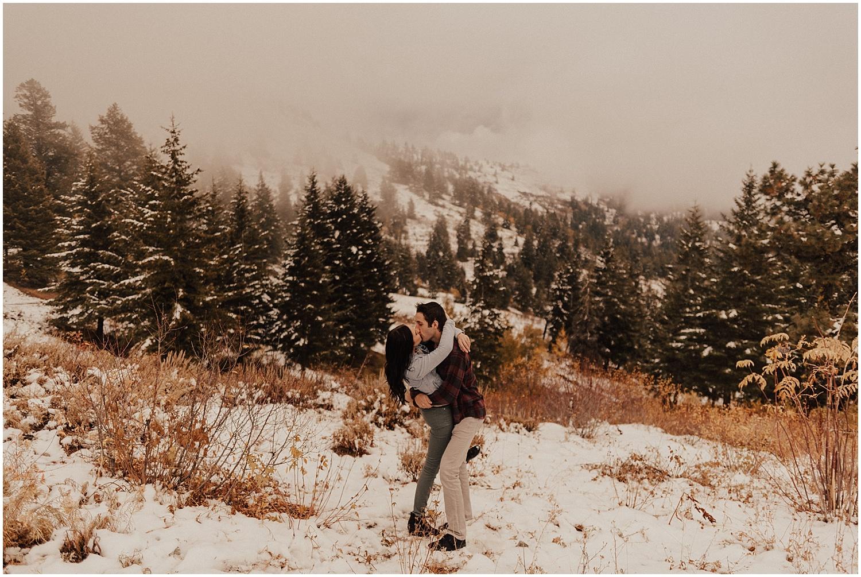 idaho-fall-winter-engagement-golden-retreiver14.jpg