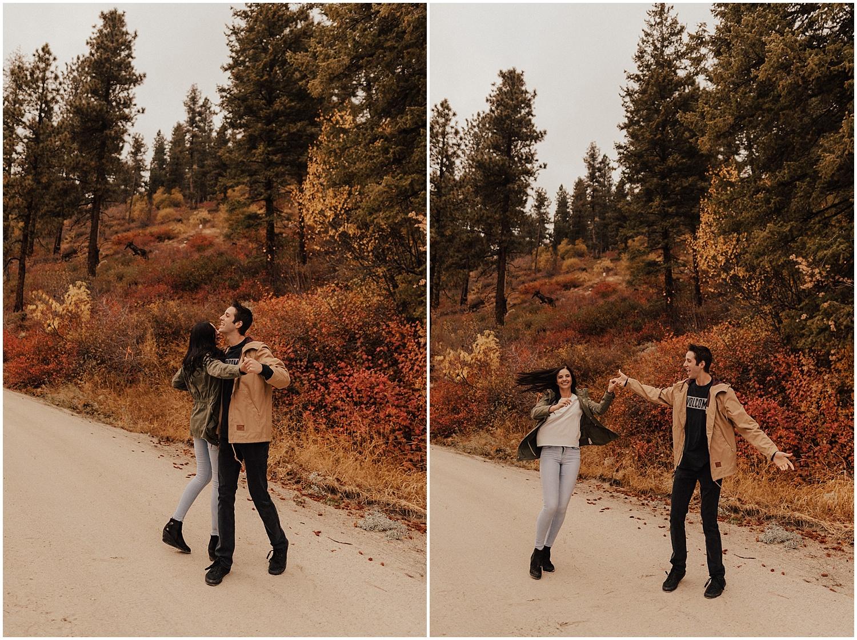 idaho-fall-winter-engagement-golden-retreiver39.jpg