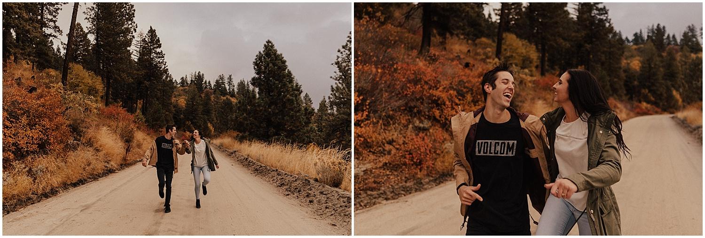 idaho-fall-winter-engagement-golden-retreiver50.jpg