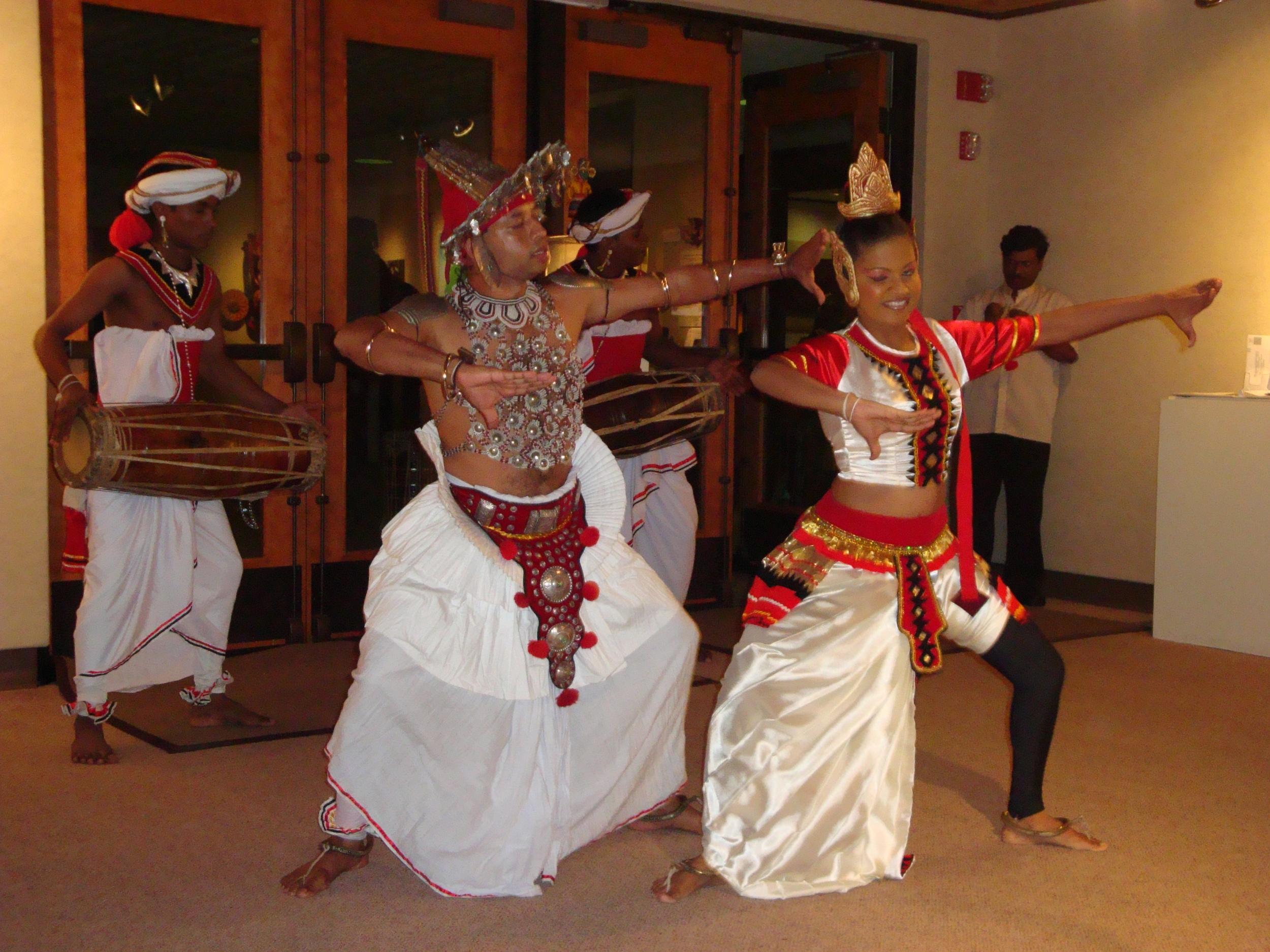 17.SriLankanDancers.JPG