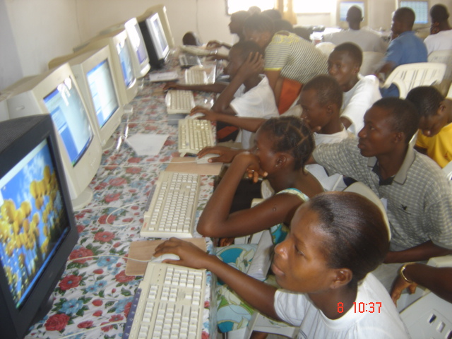 Computer School Classes Pictures.JPG