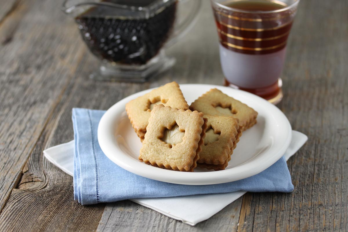 Maple Sandwich Cookie