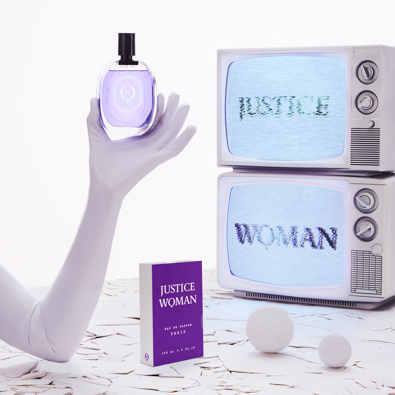 COMITA_170330_STILL-LIFE_Perfumes_02-Justice-103_C2-web.jpg