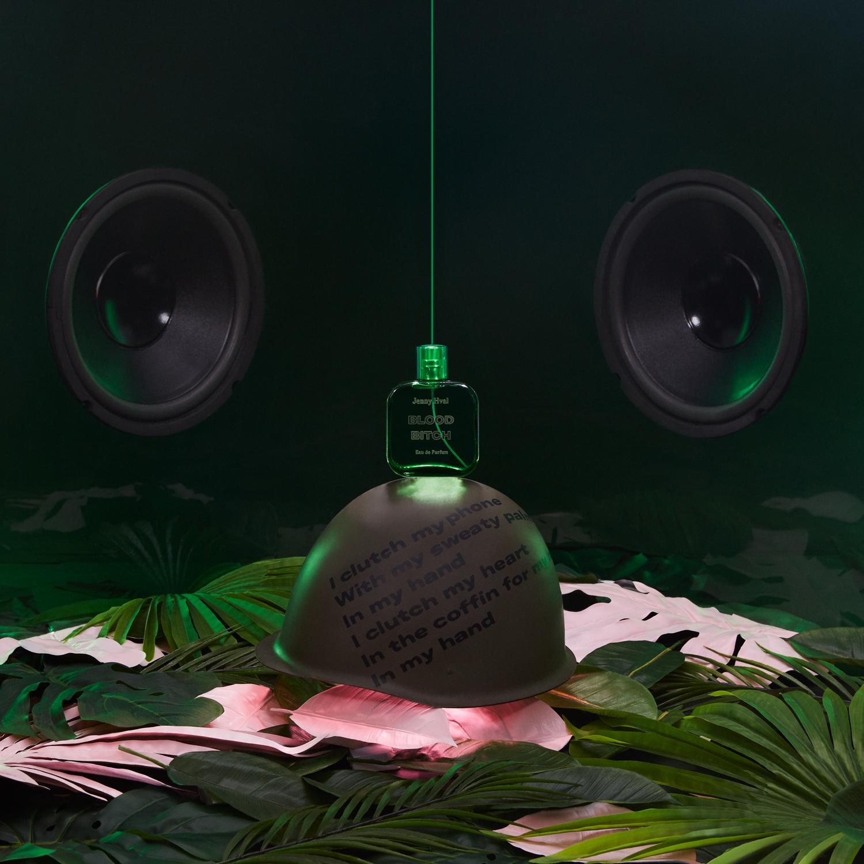 COMITA_170330_STILL-LIFE_Perfumes_01-JennyHval_123_C-web.jpg