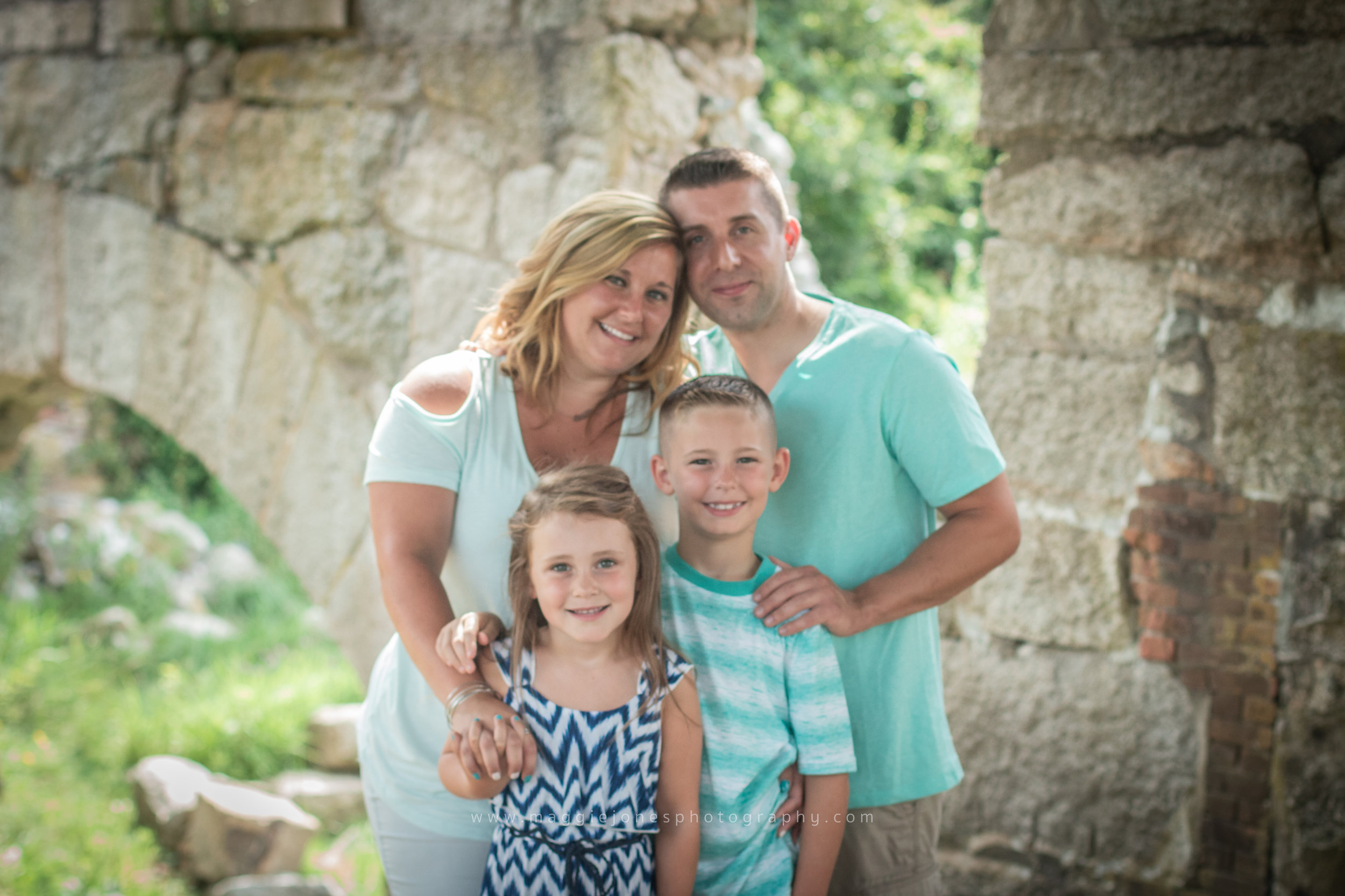 AmandaBrown_July2018FamilySession-1-13.jpg