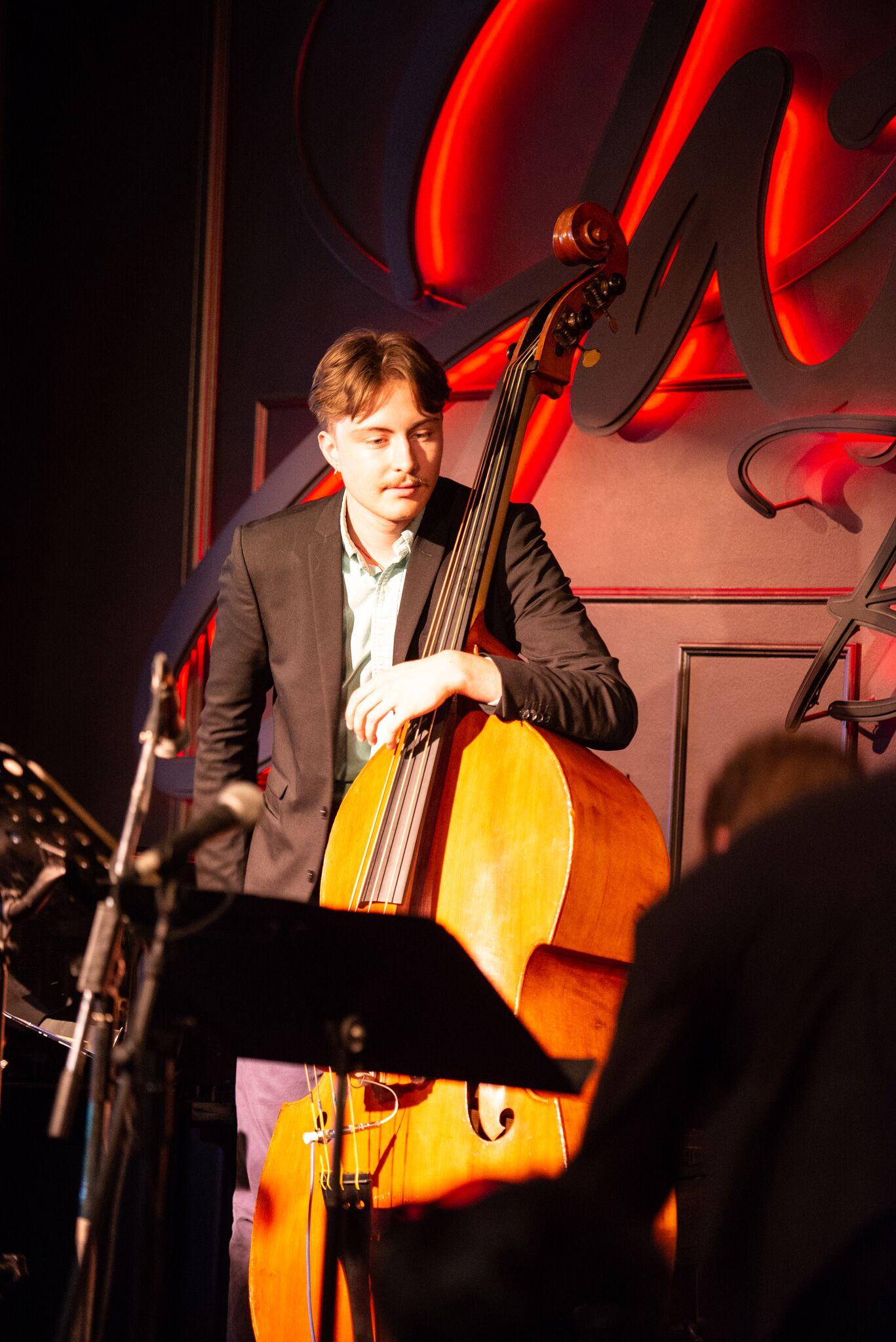 Thomas Hainbuch (bass)