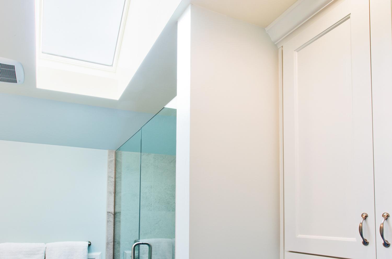 bath_skylight.jpg