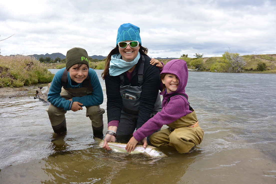Sascha and kiddos in Argentina on their recent Fish Mission. Andy Danylchuk photo.