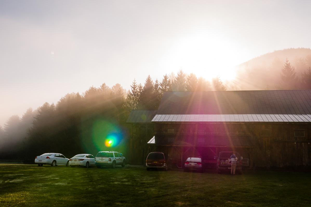 Le lever de soleil brumeux le matin du départ :)
