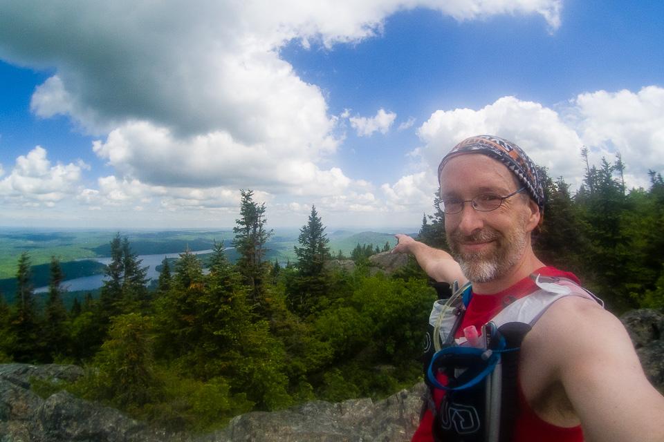 J'arrive de là. La petite montagne là-bas, c'est le mont Chauve.