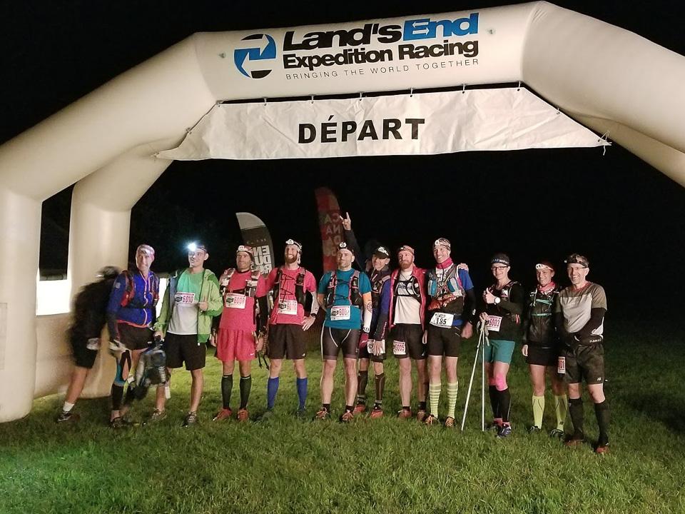 Les 12 idiots qui s'apprêtent à courir 110km.
