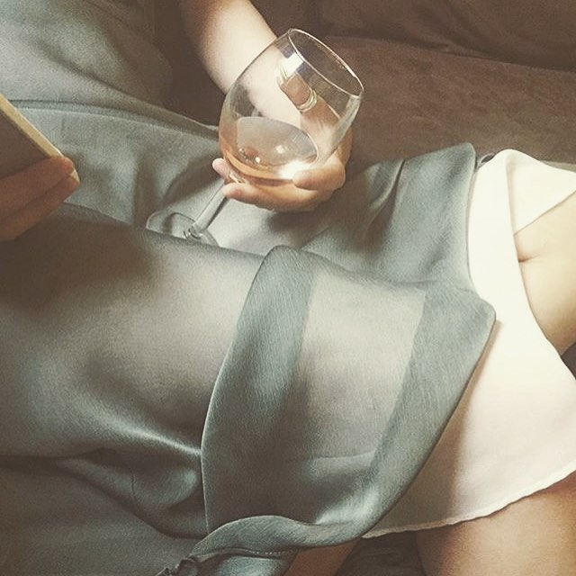 ideal situation ✨ via @paperpaper.co #vinotime #winedown