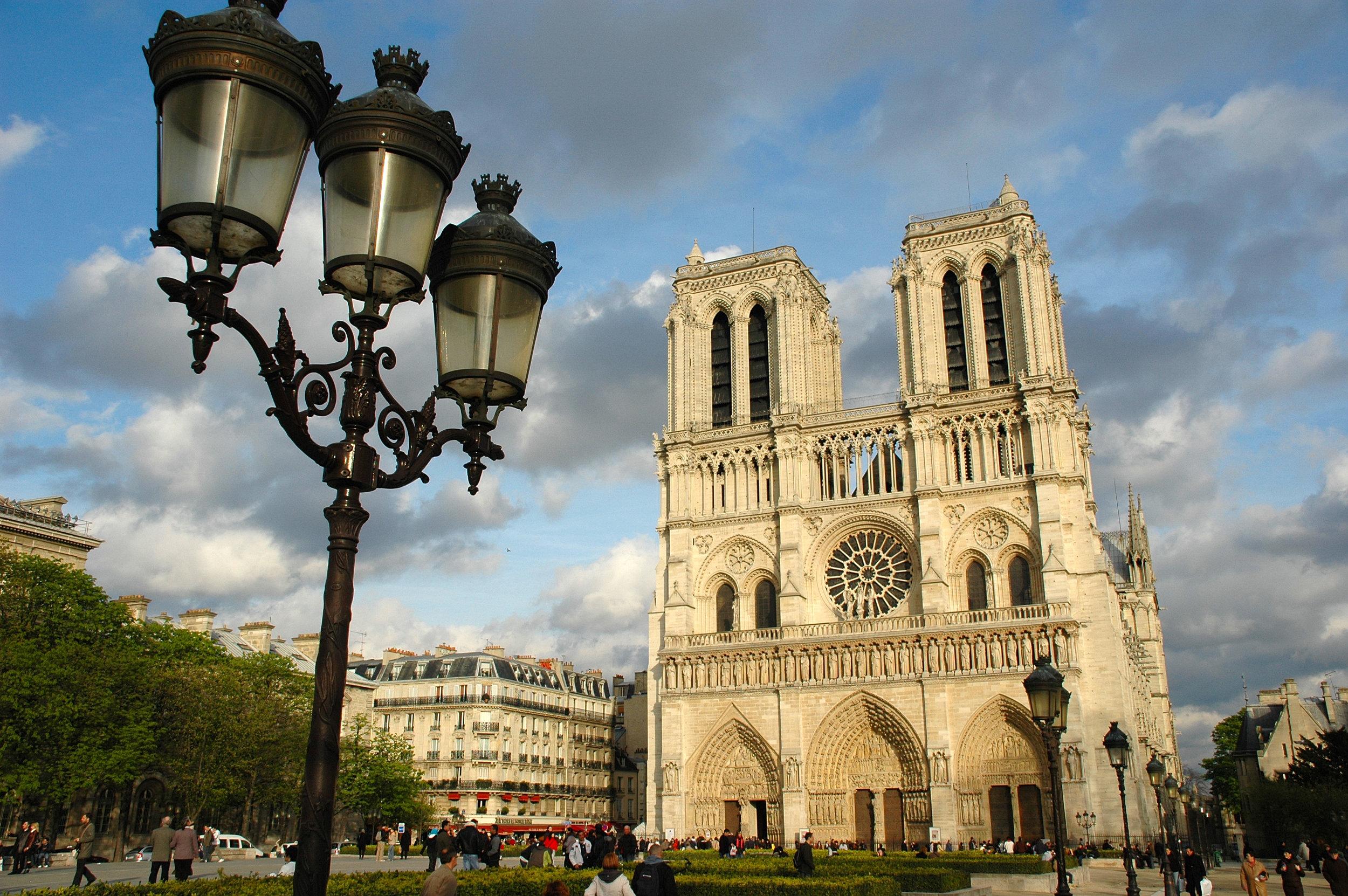 Notre_Dame_de_Paris.JPG