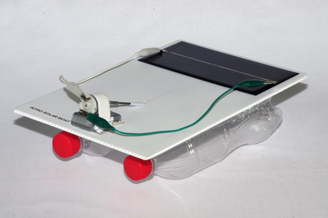 Simple solar boat