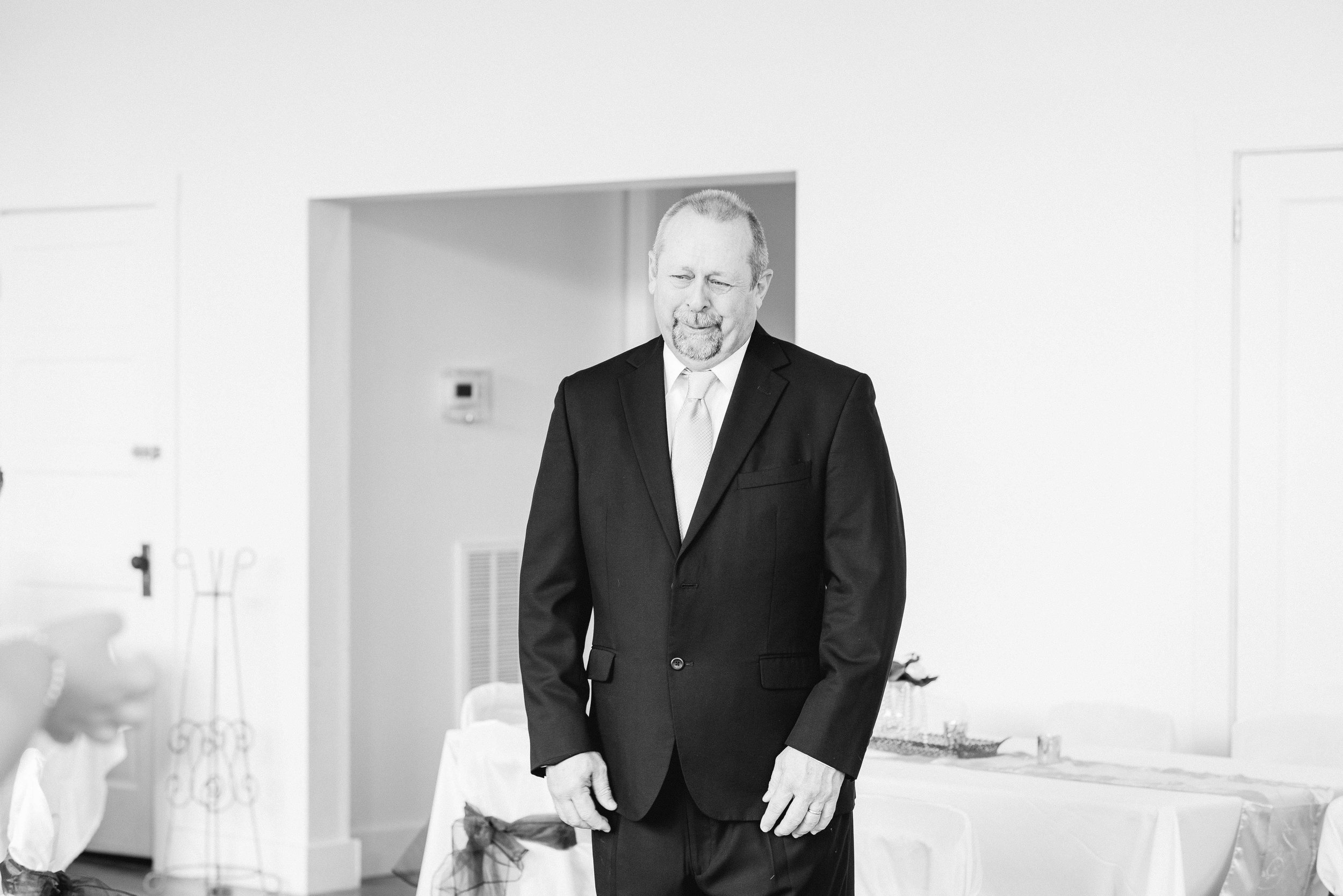Greensboro Alabama Wedding Deborah Michelle Photography Daddy's First Look