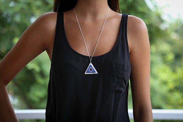Collar con Triángulo Alebrije - $650 pesos