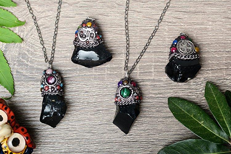 Collar con obsidiana