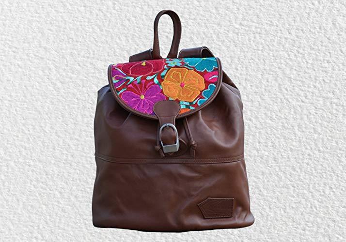 Mochila de piel color café con bordado - MXN $1800.00