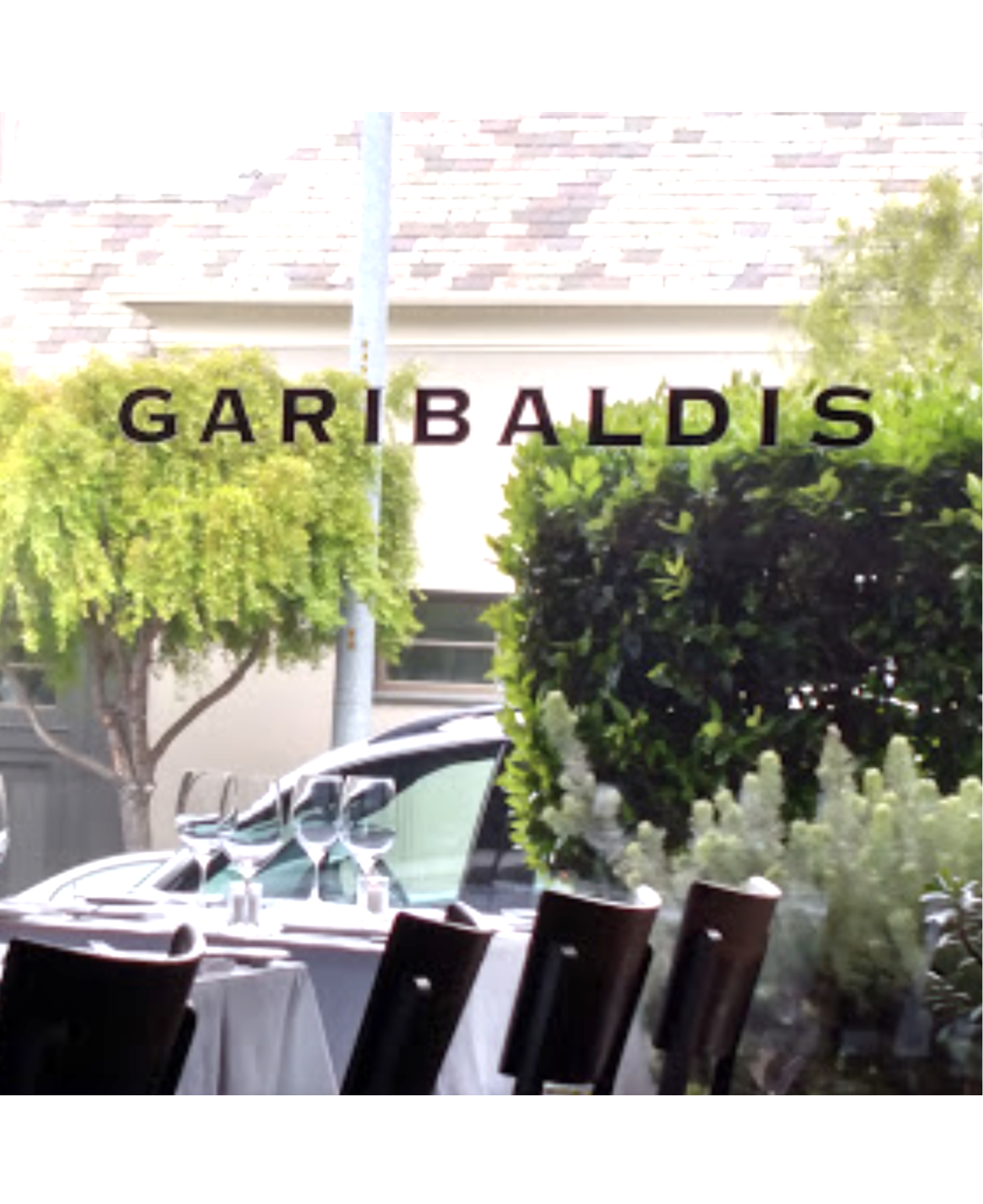 """Garibaldis - A Presidio Heights dining institution for over 20 years, Garibaldis is always a great choice. Self-described as """"the quintessential SF neighborhood restaurant"""", we'd be hard-pressed to disagree with their mix of classics done just right. We love a lunchtime break here to rest our feet and strategize the remaining stops on our design-lovers tour. Whether you're down for a perfect burger, prefer to keep it light with a Grilled Chicken and Farro Salad, or are ready to tuck into our personal 'naughty and nice' favorite combo, Risotto Croquettes and a Chopped Salad -- you can't go wrong.visit website"""
