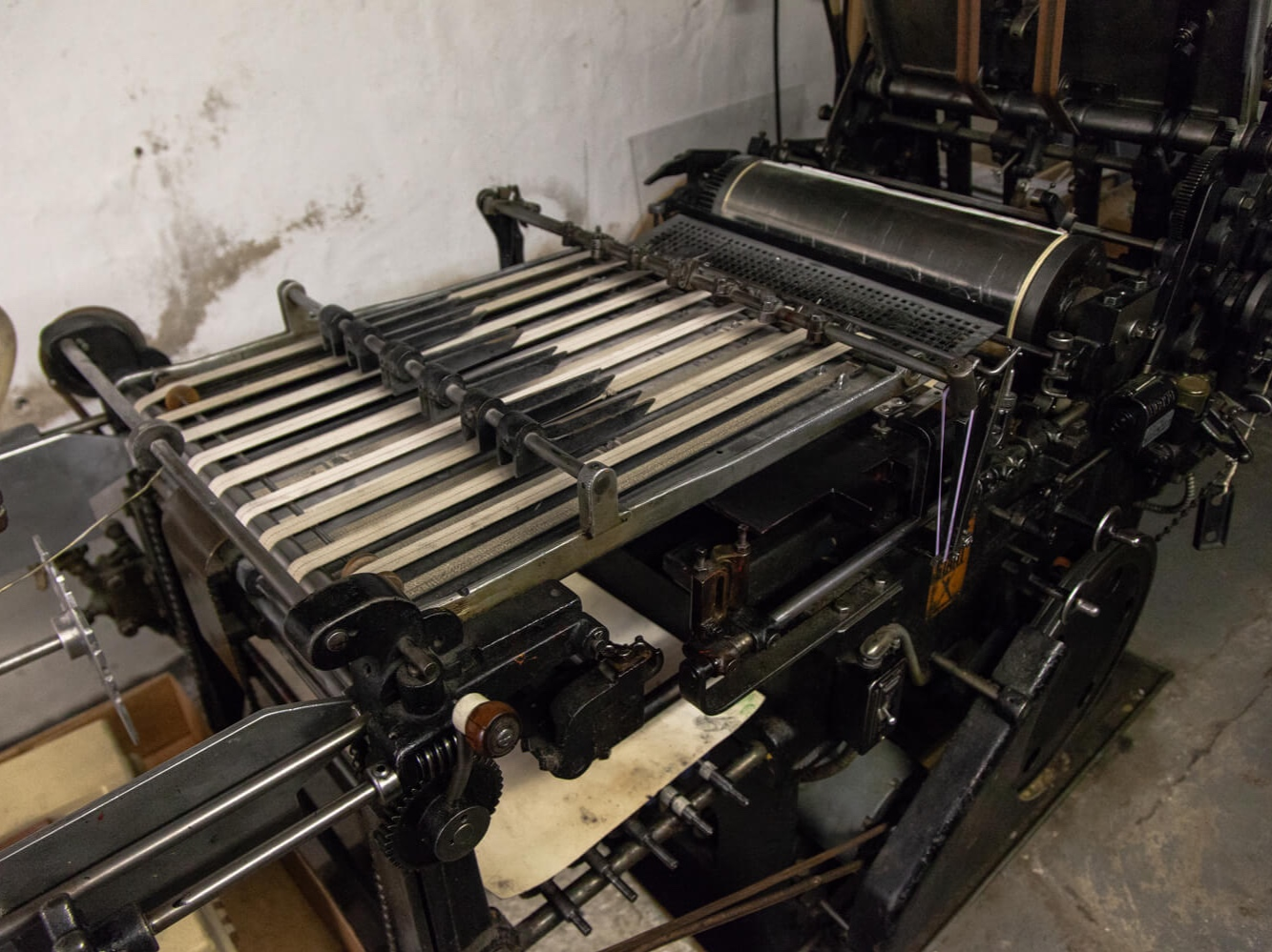 Little Giant - The Little Giant is our large format letterpress. It's perfect for large prints and longer runs, as well as scoring.