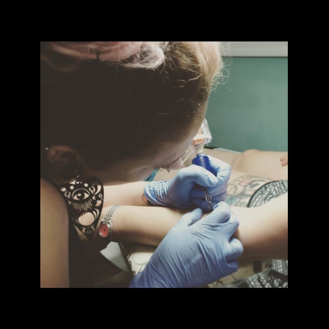 Jessie Langs - tattooer