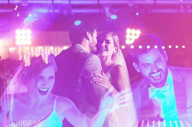 Los MAS felices !!! Gracias por invitarme a ser parte de su celebracion de amor!!!! Los quiero por siempre!!! Y les deseo una vida llena de puras risas y lagrimas de felicidad!!! 💚💚💚🌹🌹💃🏽💃🏽💃🏽💥💥✨✨✨✨ #sotoreyes
