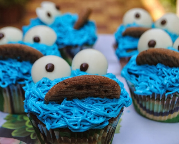 cookie monster cupcake.jpg